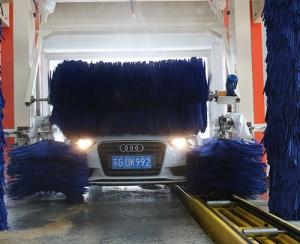 隧道九刷洗车机